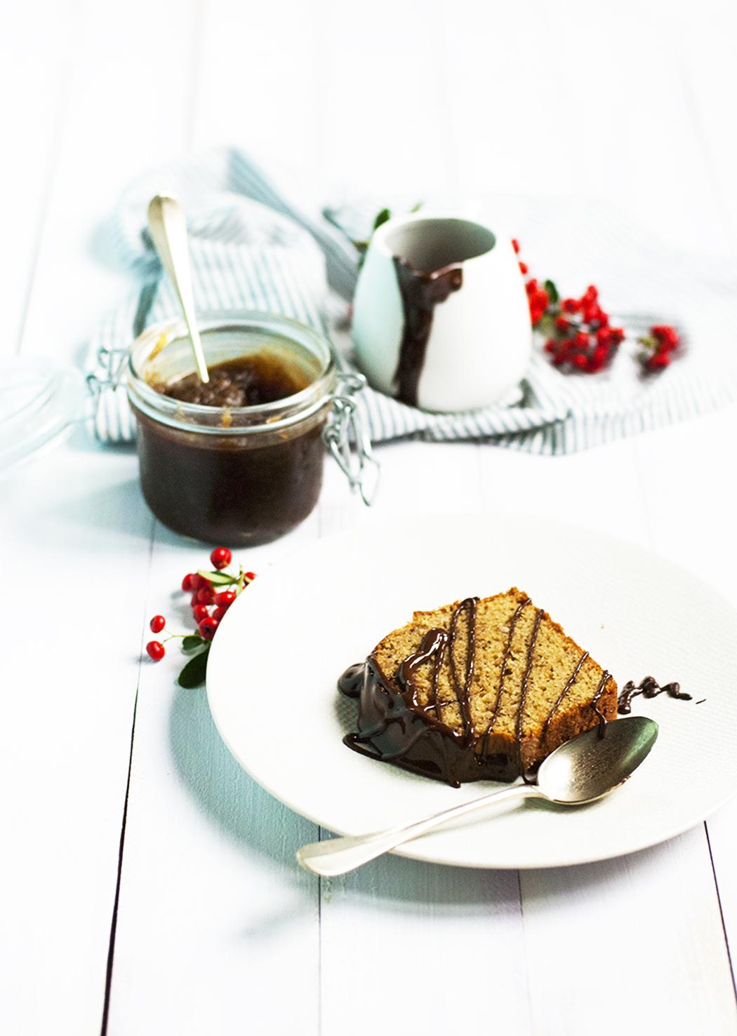 Cake aux châtaignes, noisettes & chocolat