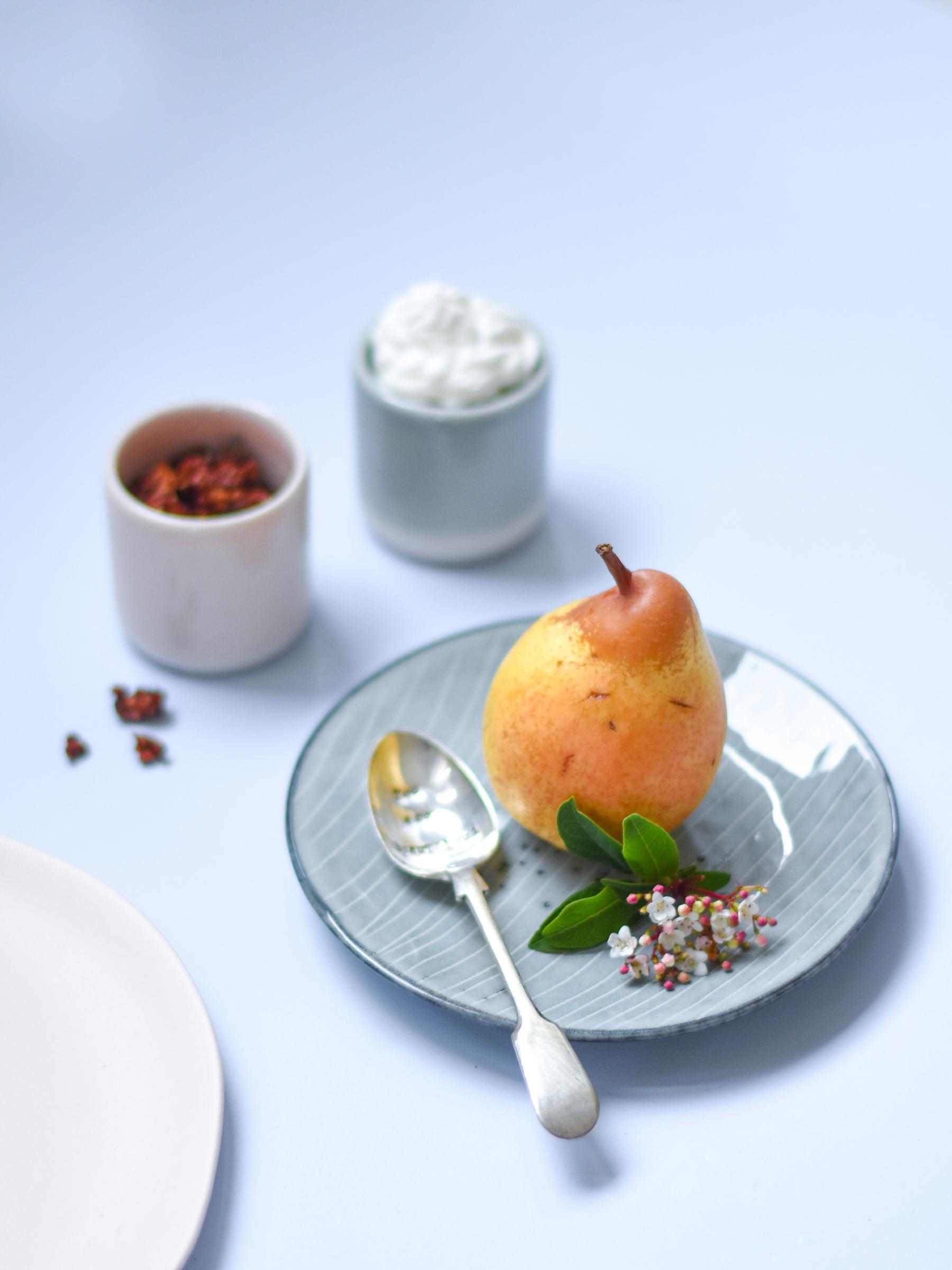 Leaf • Poire & Chocolat, recette de dessert à l'assiette - croquant, fondant et crémeux.