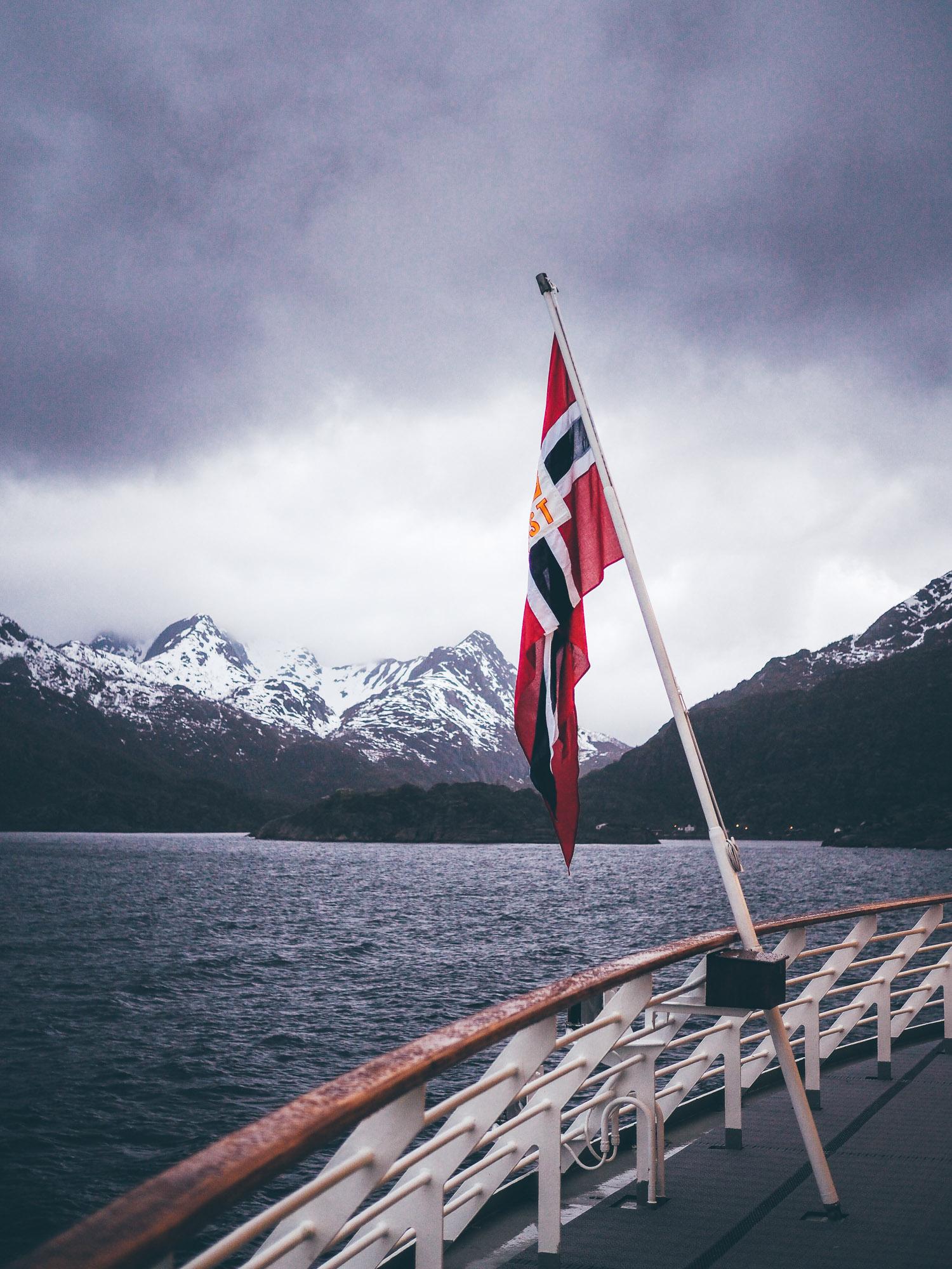 Leaf • Voyage en Norvège du Nord, sous le soleil de minuit.