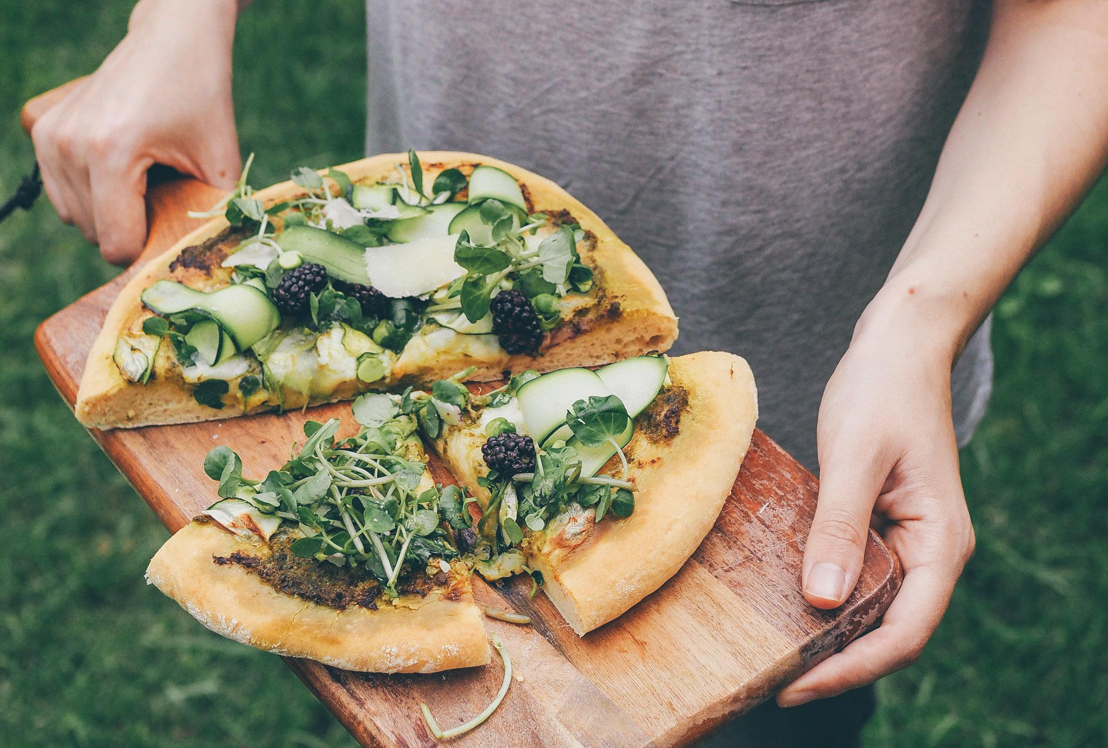 La pizza verde, légumes du marché & pesto