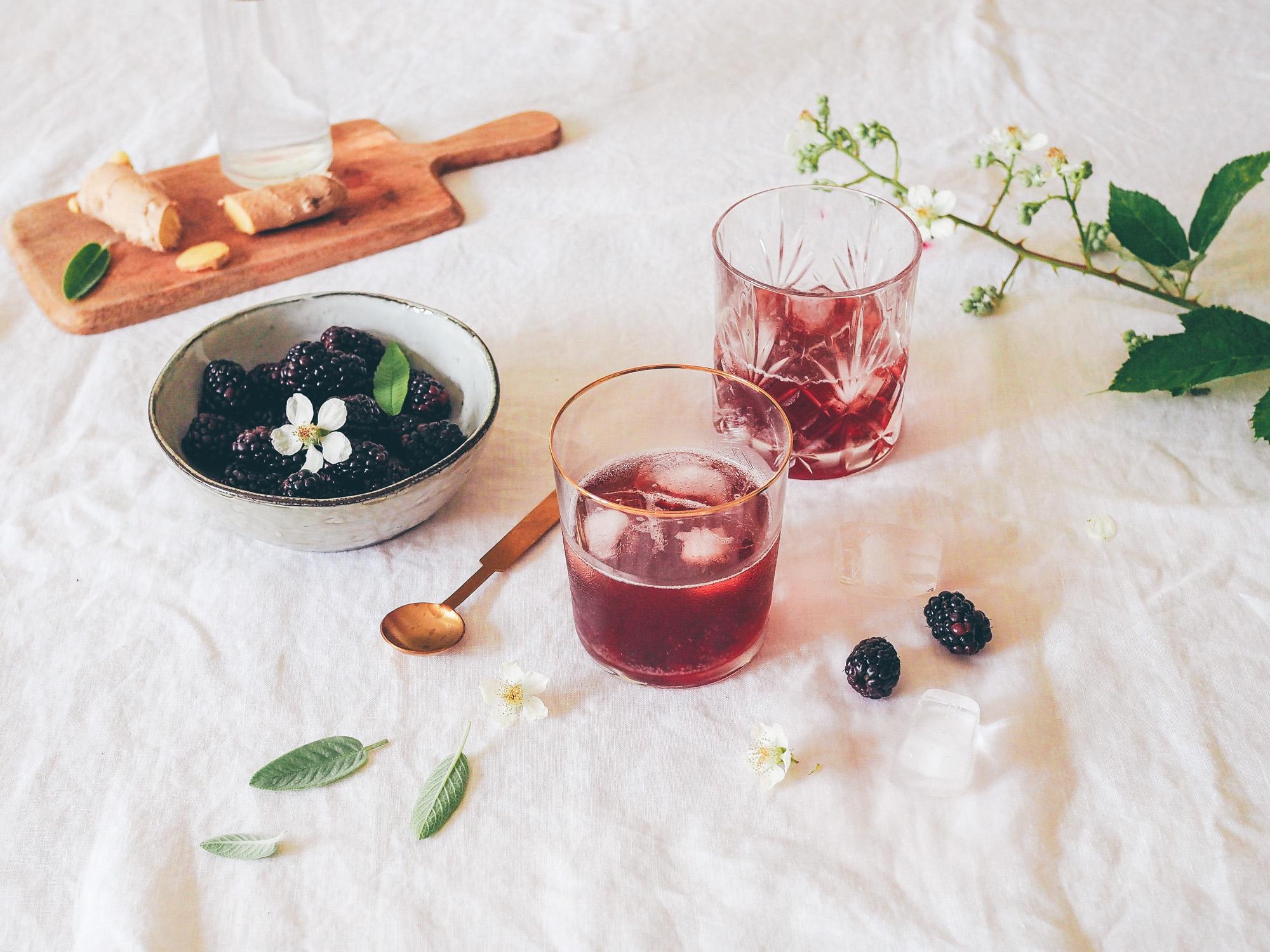 Cocktail tout frais aux mûres et au cidre rosé Écusson