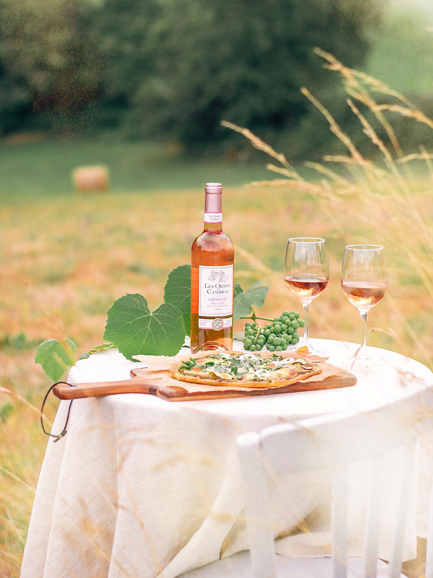 Leaf - Éloge des soirs d été - 3 idées de recettes pour accompagner un vin Rosé